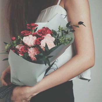 Avoid looking like a creep with these 4 flower delivery services in Singapore