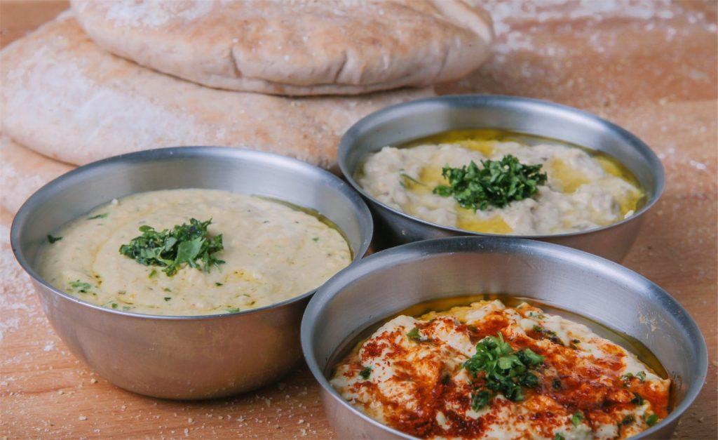 hummus dips and flatbread