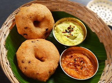 Indian-style doughnut with chutney