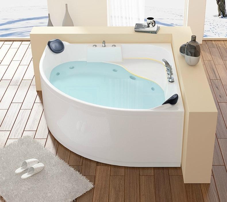 Everlyn Jacuzzi tub