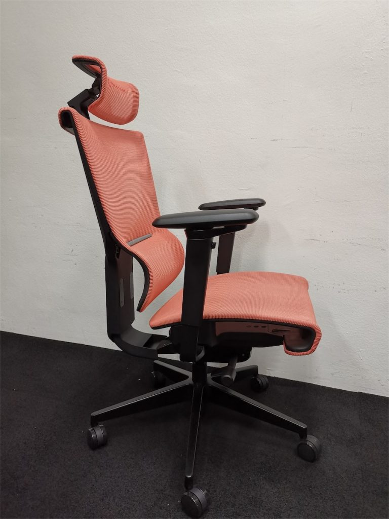 Side view of the ErgoTune Supreme chair